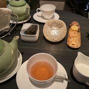 インタコ香港のロビーでお茶。景色の割にお手頃。