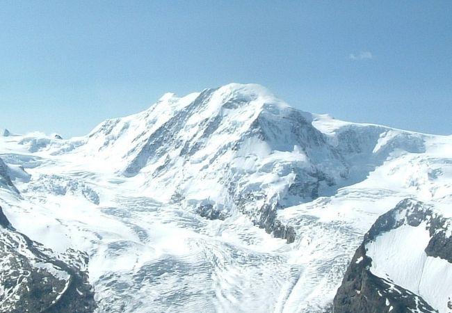 スイスの最高峰モンテローザが眺められる展望台