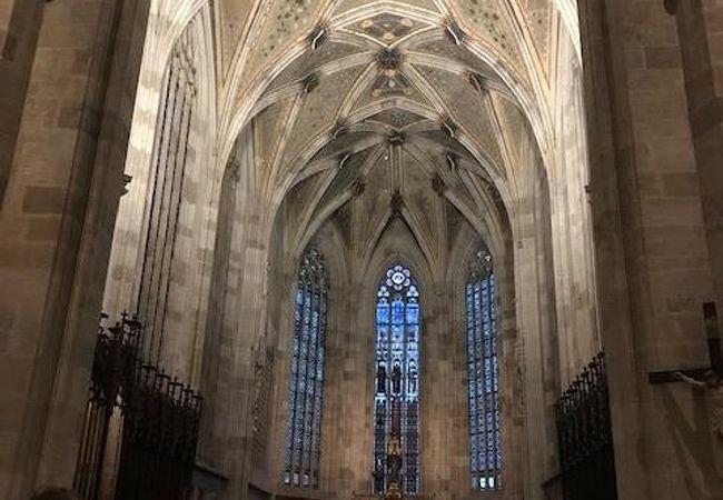 プラチスラバの中で最も大きな教会