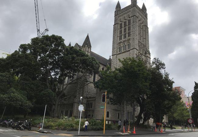 石造りの立派な教会