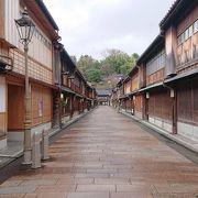 加賀藩時代の古き街並み ひがし茶屋街と宇多須神社
