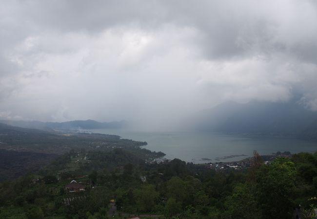 バトゥール湖