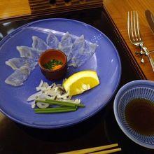 夕食【河豚刺し】