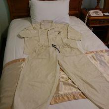 パジャマタイプの寝間着です。