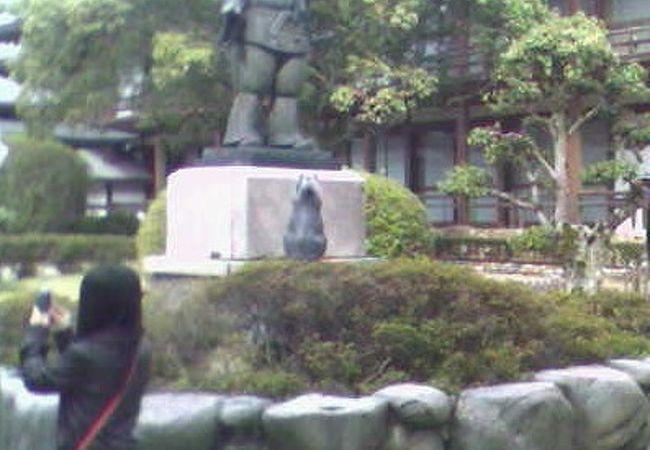 出雲大社 大国主大神と兎の像