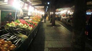 バスティーユの市場