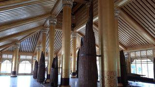 王宮発掘現場と博物館