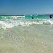 きれいな砂浜が続きます。