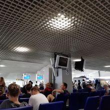 クラビ空港 (KBV)
