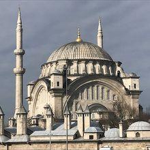 ヌルオスマニエ モスク