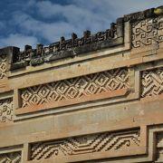 素晴らしいモザイクで飾られた宗教遺跡