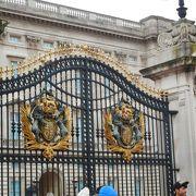 この日はエリザベス女王は不在でした