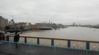 ロンドンを流れる