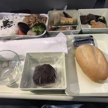 機内食、和食です。
