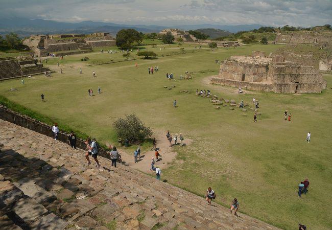 オアハカ郊外の中央アメリカ最古の遺跡