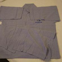 パジャマは1Fから持ってくるタイプ、ワンピースです。