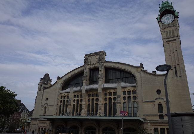 ルーアン リヴ ドロワ駅