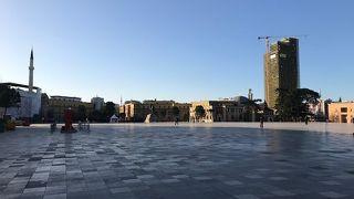 ティラナ の中心