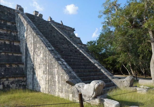 高僧の墳墓