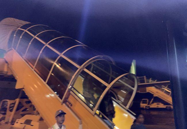 フバイ国際空港 (HUI)