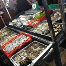 並んだ魚貝