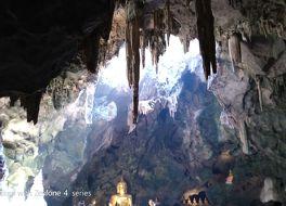 カオ ルアン洞穴