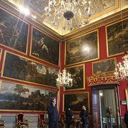16世紀に建てられたローマ一大きな宮殿、絵画コレクションが素晴らしい美術館になっています。