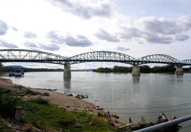 ドナウベント エステルゴムの橋を渡ってスロバキアに行こう!