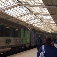 サンタ アポローニア駅