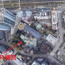 金王八幡宮は、首都高速から少し南側に入った場所にあります。