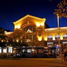 セルテンドレ行きのHEVの始発駅 スーパーがあり夜景がきれい