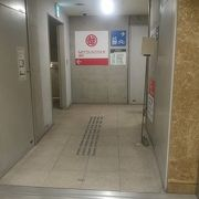 銀座三越 地下二階の出入り口