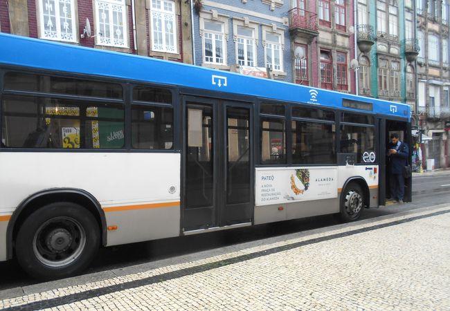 バス STCP