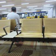 長時間トランジットしたDEL国際空港
