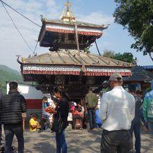 バラヒ寺院