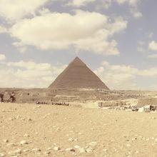 ビューフォトスポットからの三大ピラミッド