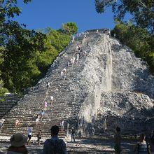 ユカタン半島で一番高いピラミッドがある遺跡です。
