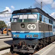 国際線を牽引する機関車