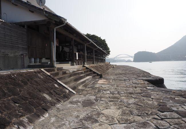 天草の石工たちにより積まれた現存する唯一の明治の石積みの埠頭