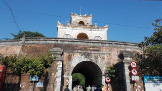 ドンパ門 (正東門)