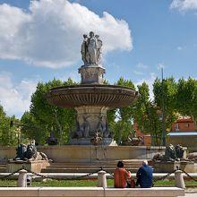 ジェネラル ド ゴール広場