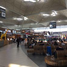 ロンドン スタンステッド空港 (STN)