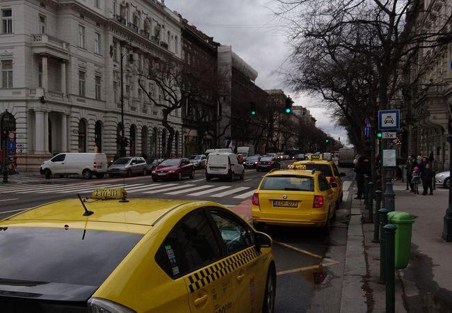 黄色い車両