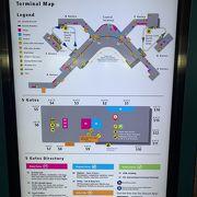 日本への国際線はSゲートのため、無人の地下鉄移動