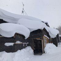 雪に埋もれた宿