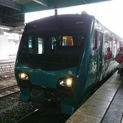 五能線をゆく観光列車