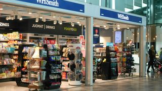 WH Smith (T2 check-in area)