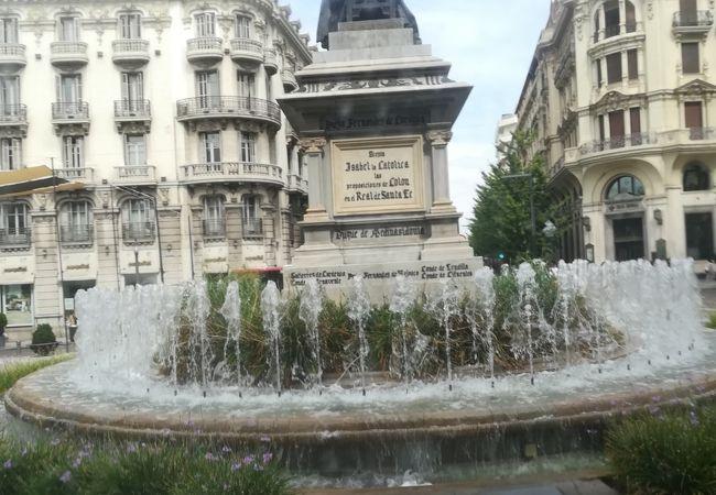 イサベルラカトリカ広場