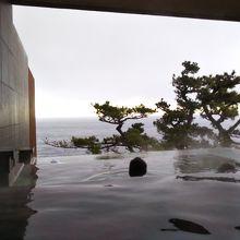 新大浴場棟スパリウムニシキの露天風呂