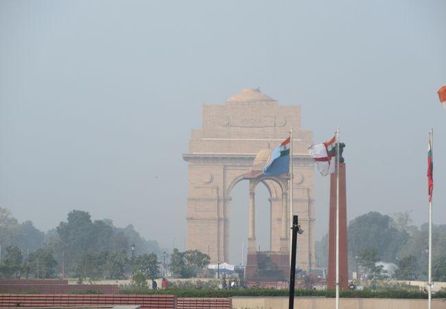 ムンバイのインド門よりスリムです